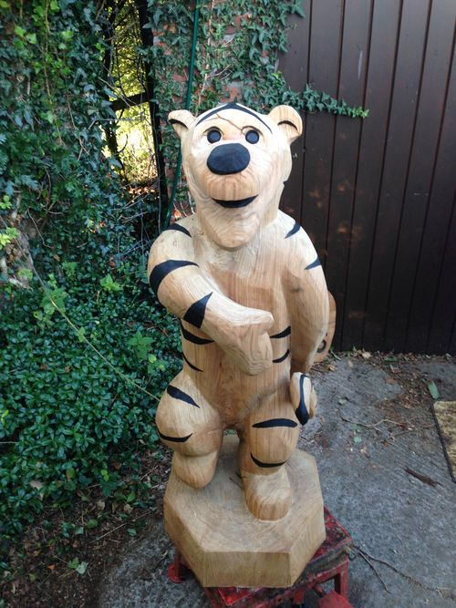 Tigger -ish chainsaw sculpture